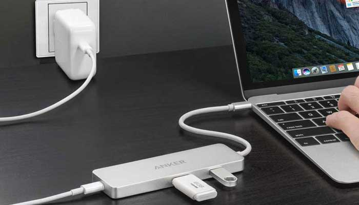 Anker Premium USB-C Hub with HDMI 4K and Power Delivery (A8342H41)