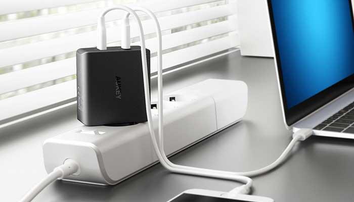 Зарядное устройство Aukey PA-Y10 с PD3.0 для Macbook Pro, MacBook, iPad, iPhone