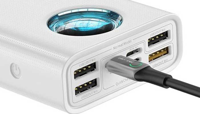 Baseus Amblight 30000mAh С 4 usb и 1 usb-c