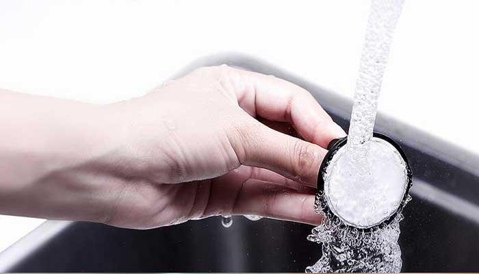 Baseus Wheel моется под горячей водой