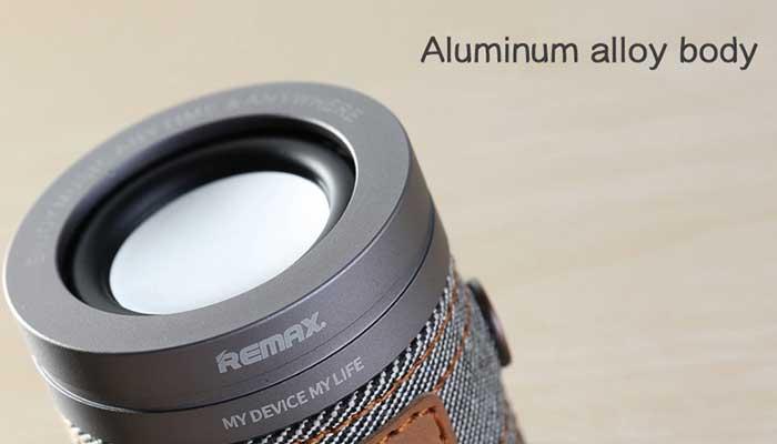 Прочная и компактная bluetooth колонка Remax M5