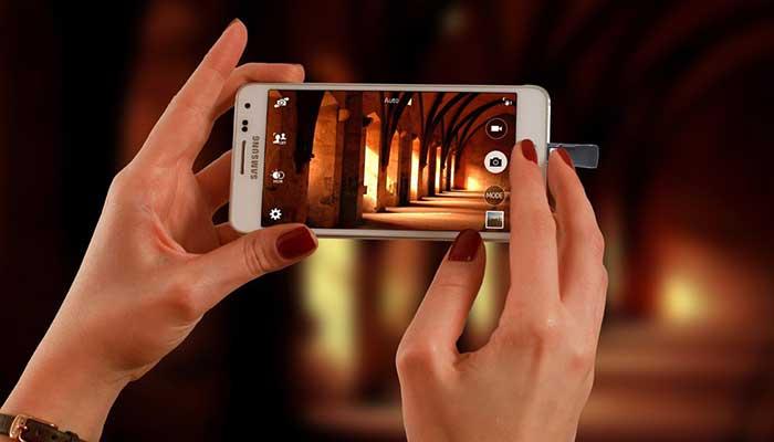 Скоростная флешка для Iphone и iPad от компании Sandisc