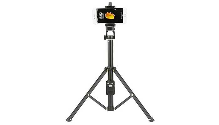 Yunteng VCT-1688 Selfie Stick Tripod можно использовать как штатив для камеры или телефона